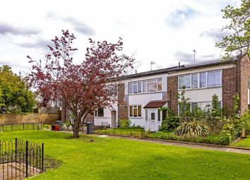 Thumbnail 4 bed property to rent in Clarence Avenue, Clapham