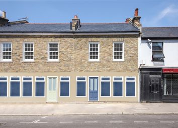 Brightfield Road, London SE12. 3 bed flat