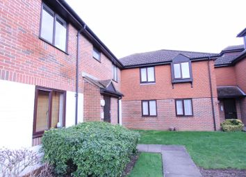 Thumbnail 2 bed flat for sale in Chelsea Gardens, North Cheam, Sutton