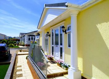 2 bed mobile/park home for sale in Eastbourne Heights (5927), Oaktree Lane, Eastbourne, East Sussex BN23