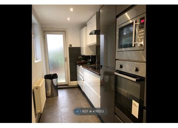 Thumbnail 3 bed flat to rent in Stoke Newington Common, London