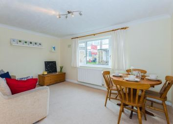 Thumbnail 2 bed flat to rent in Woodley Hill, Chesham