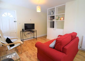 Thumbnail 2 bed flat to rent in Hopton Road, Streatham