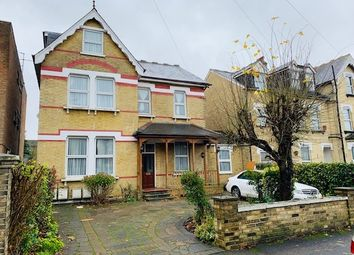Thumbnail 2 bed flat to rent in Dunheved Road North, Thornton Heath