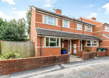Park Road, Henley-On-Thames, Oxfordshire RG9. 3 bed end terrace house