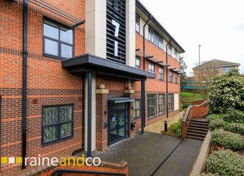 2 bed flat for sale in Great North Road, Brookmans Park, Hatfield AL9