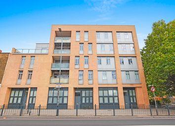 Thumbnail Studio to rent in Ross Way, London