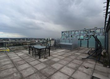 Thumbnail 2 bedroom flat to rent in 37 Millharbour, Canary Wharf, London