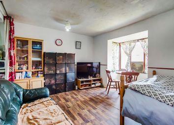 Waterside Close, Barking IG11. Studio for sale