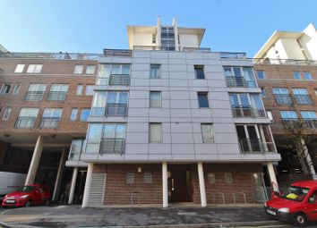 Cross Street, Portsmouth PO1. 1 bed flat for sale