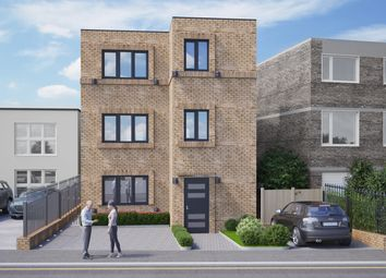 Thumbnail 2 bed flat for sale in Plantagenet Road, London