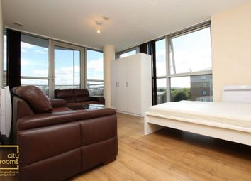 Thumbnail Room to rent in Switch House, 4 Blackwall Way, East India