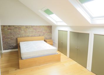 Thumbnail 1 bed flat to rent in East Hill, Wandsworth, London