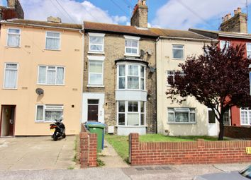 1 bed flat to rent in Denmark Road, Lowestoft, Suffolk NR32