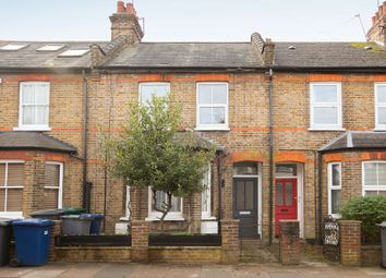Thumbnail 1 bed flat to rent in Dale Grove, London