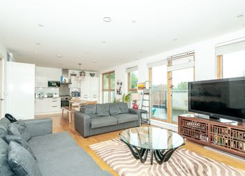 Thumbnail 3 bed flat to rent in New Kent Road, Elephant & Castle