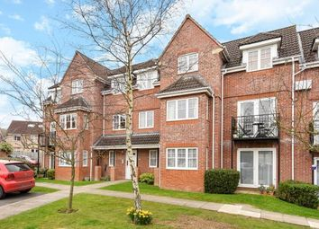 Thumbnail 2 bedroom flat for sale in Fennel Court, Thatcham