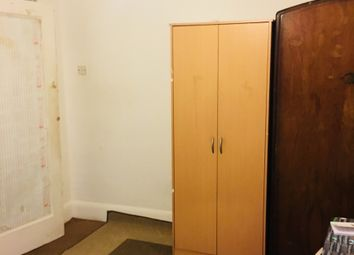 Thumbnail Room to rent in Holland Park Avenue, Ilford