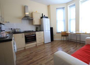 Thumbnail 1 bed flat to rent in Ledbury Rd, Croydon