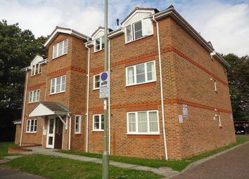 2 bed flat to rent in Sherborne Road, Farnborough GU14
