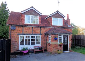 Thumbnail 2 bed cottage to rent in Wickham Road, Curdridge, Southampton