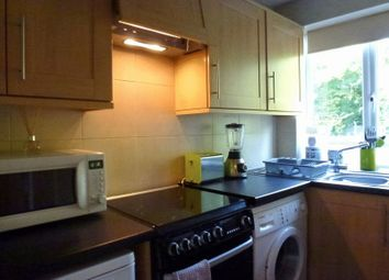 Thumbnail 2 bed flat to rent in Wellesley Parade, Whyteleafe