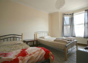 Thumbnail 3 bedroom flat to rent in Cedars Avenue, London