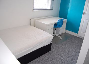 4 bed shared accommodation to rent in Victoria Street, Gillingham ME7