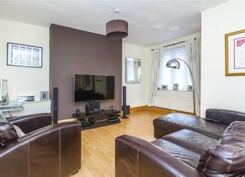 Thumbnail 2 bedroom flat for sale in Betsham House, Newcomen Street, London