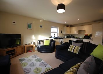 Thumbnail 2 bedroom flat to rent in Luxury & Large Two Double Bedroom, First Floor Flat, St Johns