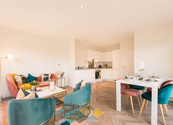 Honeypot Lane, Queensbury NW9. 3 bed flat for sale