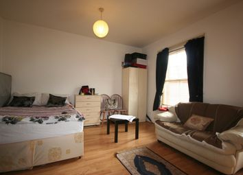 Thumbnail Studio to rent in Streatham Green, Streatham High Road, London