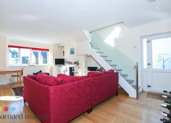 Thumbnail 3 bed flat to rent in Franche Court Road, London