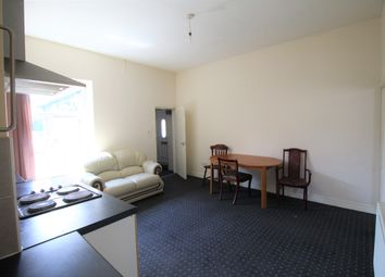 Thumbnail 1 bed flat to rent in Lees Road, Oldham