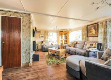Thumbnail 2 bed mobile/park home for sale in St. Johns Priory, Lechlade