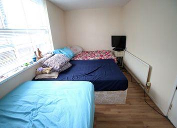 Thumbnail Studio to rent in Estridge Close, Hounslow, Middlesex