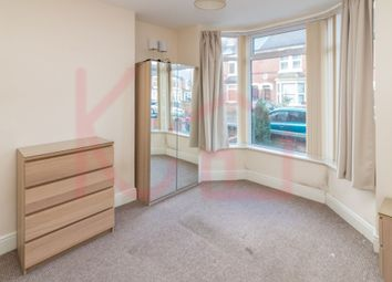 Thumbnail Room to rent in Room 1, Lockwood Road