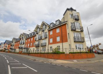 Thumbnail 2 bed flat for sale in Marlborough Road, St. Albans