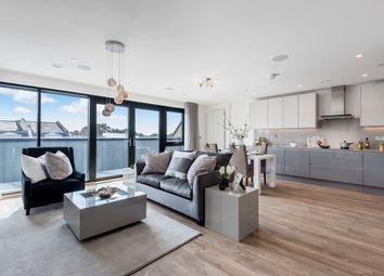 Thumbnail 3 bed penthouse for sale in Quayle Crescent, Whetstone, London