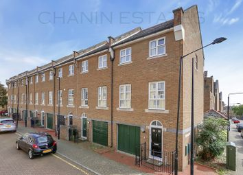 Thumbnail 3 bed town house to rent in Arden Cresent, Docklands, London