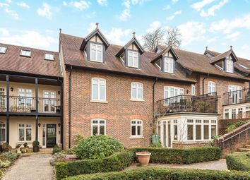 Bramley, Guildford, Surrey GU5. 2 bed flat for sale