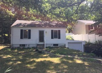 Thumbnail 2 bed property for sale in Smithtown, Long Island, 11787, United States Of America