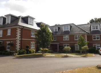 Thumbnail 2 bed flat to rent in Robin Hill, Maidenhead