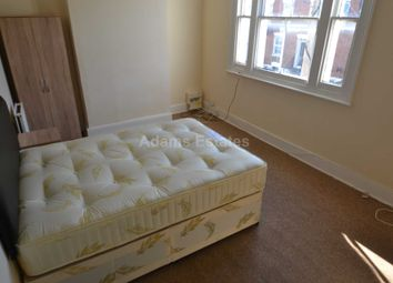 3 bed flat to rent in Waylen Street, Reading RG1