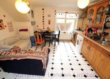 Thumbnail 4 bed flat to rent in Brownswood Road, Finsbury Park