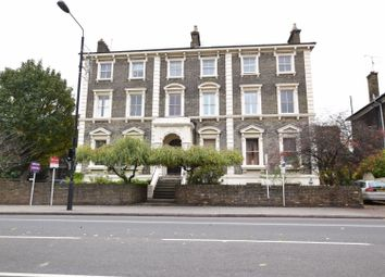 261 South Lambeth Road, Stockwell SW8. 1 bed flat