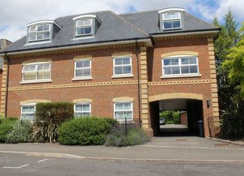 Thumbnail 1 bed flat to rent in Victoria Street, Englefield Green, Egham