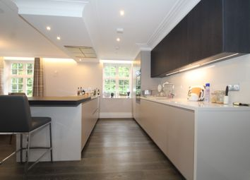 Thumbnail 2 bed flat to rent in Chislehurst Road, Chislehurst, Kent