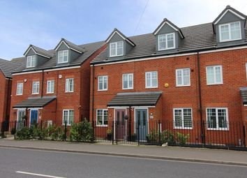 Thumbnail 3 bed town house to rent in 3 Bed Town House, Walshaw Road, Bury