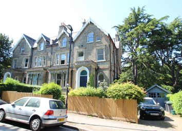 Thumbnail 2 bedroom flat to rent in Bishopswood Road, Highgate